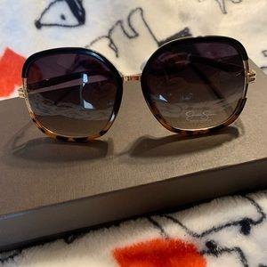 Jessica Simpson Square tortoise frame sunglasses